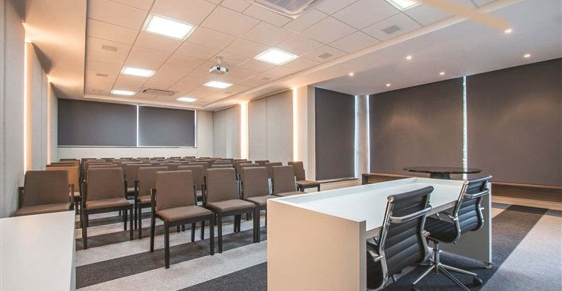 salas_comerciais_axis_office_auditorio_1680x530_Auditorio
